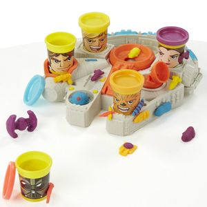 Play-Doh-Star-Wars-Millenium-Falcon-B0002-wong-494009