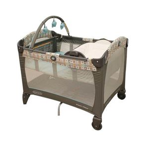 Graco-Pack-and-Play-Reversible-Napper-Soho-Square-wong-543185